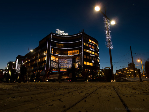 Evening picture of Aker Brygge shopping center in Oslo